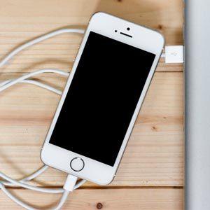 Почему смартфон разряжается без причины