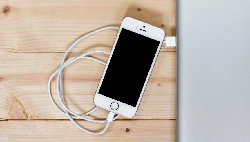 smartfon-razriajaetsia-bez-prichiny